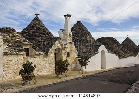 Alberobello: Trulli, ancient district. Unesco