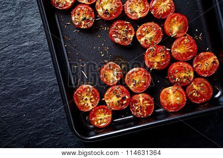 Oven roasted cherry tomatoes with oregano