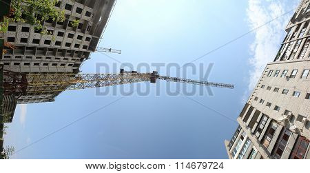 Crane. A new building