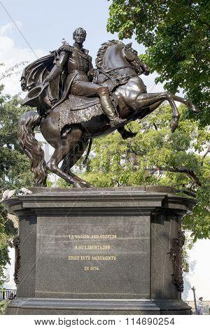 Statue Simon Bolivar