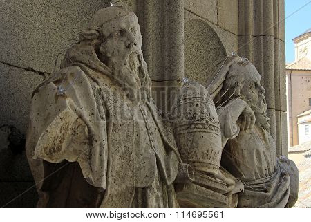 Toledo, Spain - August 24, 2012: Statues In The Courtyard Of Toledo Cathedral