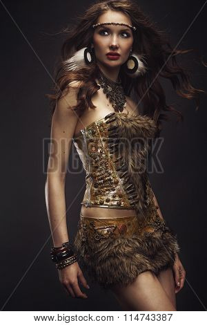 Model ethnic dressed