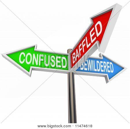 Confuso, desconcertado, desconcertado - signos de flecha