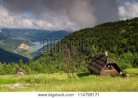 Traditional Wooden House In Mokra Gora And Zaovinsko Lake