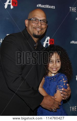 vLOS ANGELES - JAN 14:  David Justice, Raquel Justice at the The 5th Wave Los Angeles Premiere at the Pacific Theatres At The Grove on January 14, 2016 in Los Angeles, CA