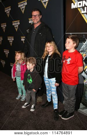 LOS ANGELES - JAN 16:  Dean McDermott, Hattie McDermott, Finn McDermott, Stella McDermott, Liam McDermott at the Monster Jam Celebrity Night at the Angels Stadium on January 16, 2016 in Anaheim, CA