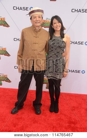 LOS ANGELES - JAN 16:  James Hong, April Hong at the Kung Fu Panda 3 Premiere at the TCL Chinese Theater on January 16, 2016 in Los Angeles, CA