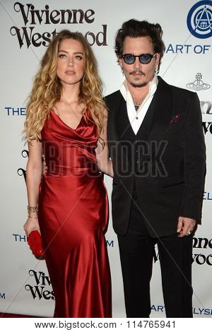 vLOS ANGELES - JAN 9:  Amber Heard, Johnny Depp at the The Art of Elysium Ninth Annual Heaven Gala at the 3LABS on January 9, 2016 in Culver City, CA