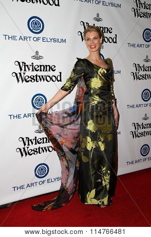 vLOS ANGELES - JAN 9:  Angela Lindvall at the The Art of Elysium Ninth Annual Heaven Gala at the 3LABS on January 9, 2016 in Culver City, CA