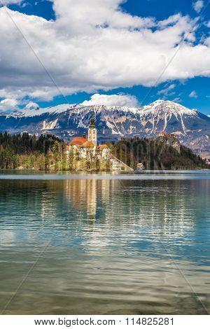 Bled Lake,island,church,castle,mountain-slovenia