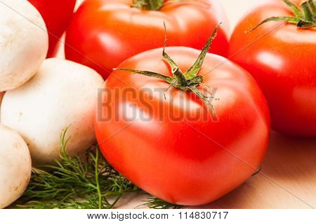 Closeup Of Fresh Tomatoes, Mushrooms And Some Green Dill.