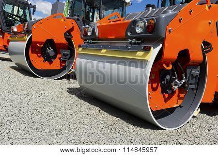 Steamroller compactor row