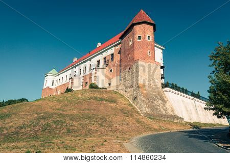 Old Castle From 14Th Century In Sandomierz Is Located By Vistula River - The Longest And Biggest In