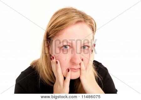 Retrato de una mujer llora