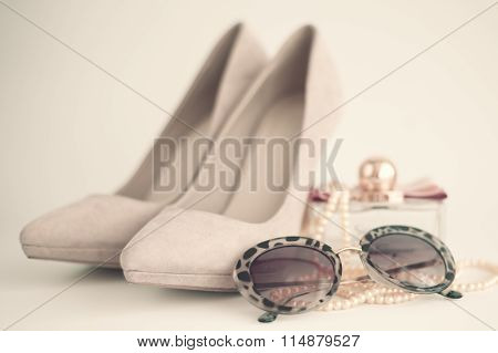 Vintage femenine fashion items