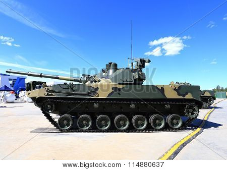 MOSCOW REGION  - JUNE 17: 125 mm self-propelled cannon