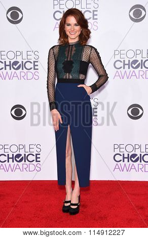 LOS ANGELES - JAN 06:  Sarah Drew arrives to the People's Choice Awards 2016  on January 06, 2016 in Hollywood, CA.
