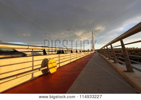 Pedestrian walkway on the new bridge