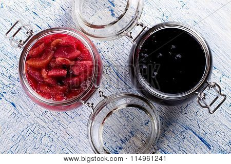 Jam from a pear and currant
