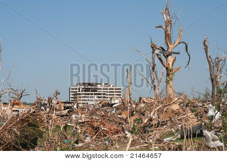 Joplin Debris and Hospital