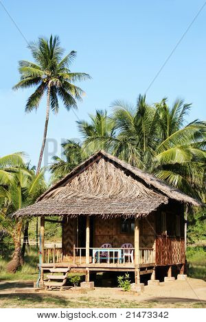 Bungalow on Ngwe Saung Beach (Myanmar)