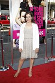 LOS ANGELES - JUN 30: Mayim Bialik at the Premiere of 'Horrible Bosses' at Grauman's Chinese Theatre