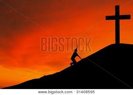 Silhouette der Mann mit dem Kreuz