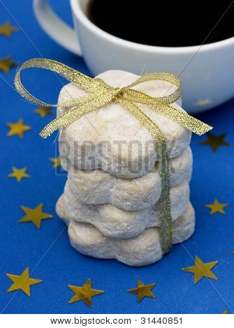 Associated biscuits on gift