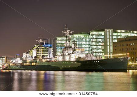 Buque de guerra HMS Belfast en Londres, Inglaterra