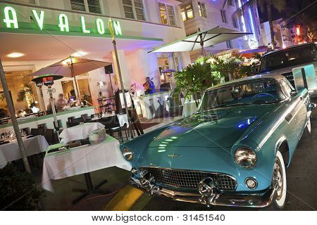 Ford Thunderbird And Avalon Hotel