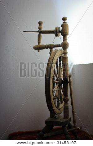 Old spinning wheel