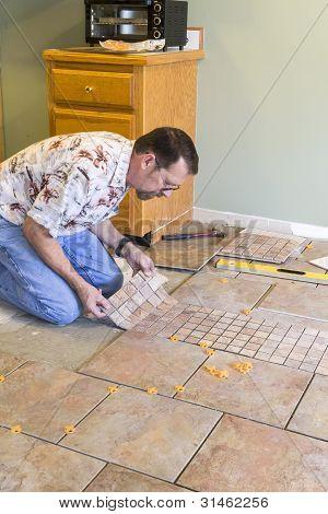 Instalador de azulejos de cerámica