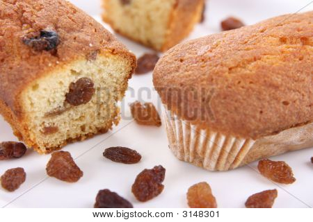 Small Rolls With Raisins