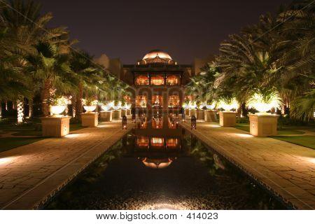 Garden Dubai Hotel