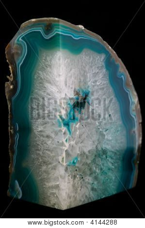 Cristal de rocha em fundo preto
