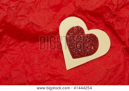 Forma de corazón rojo brocado