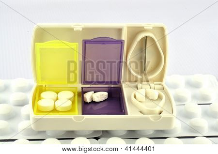 Pill Box And Split Blade