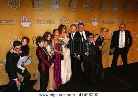 LOS ANGELES - JAN 27:  Cast of Modern Family poses in the press room at the 2013 Screen Actor's Guild Awards at the Shrine Auditorium on January 27, 2013 in Los Angeles, CA