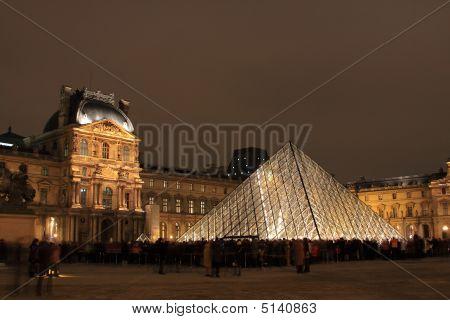 Museum Du Louvre