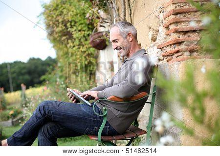 Man spending week-end in countryside