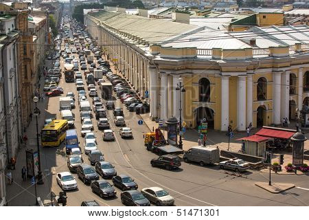 ST.PETERSBURG, RUSSIA - JUN 27: Cars stands in traffic jam on the city center, Jun 27, 2013, SPb, Russia.