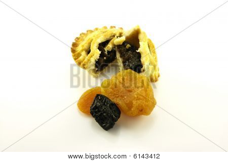 Sweet Mince Pie and Dried Fruit