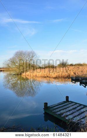 Fishing platform jutting into lake