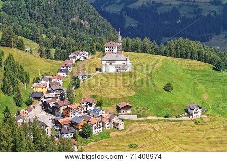 Laste Village - Italy