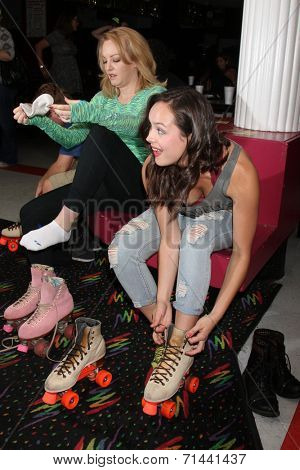 vLOS ANGELES - SEP 3:  Wendi McLendon-Covey, Hayley Orrantia at the