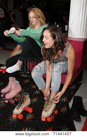 vLOS ANGELES - SEP 3:  Wendi McLendon-Covey, Hayley Orrantia at the