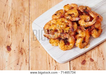 Shrimps dish with lemon