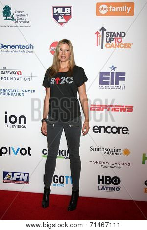 LOS ANGELES - SEP 5:  Mira Sorvino at the Stand Up 2 Cancer Telecast Arrivals at Dolby Theater on September 5, 2014 in Los Angeles, CA