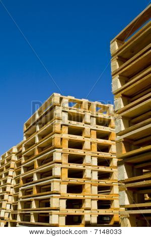 Paletas de madera de envío