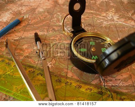 Orientation on a topographic map